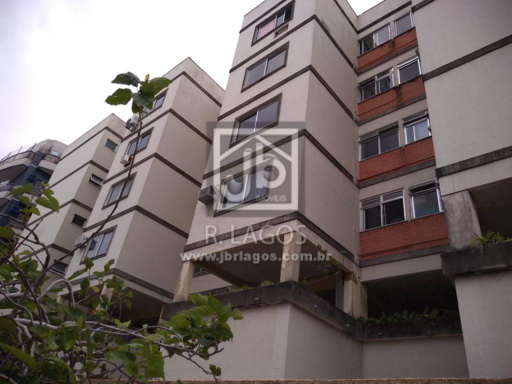 Apartamento mobiliado, no Algodoal, próximo a Praia, prédio com infraestrutura