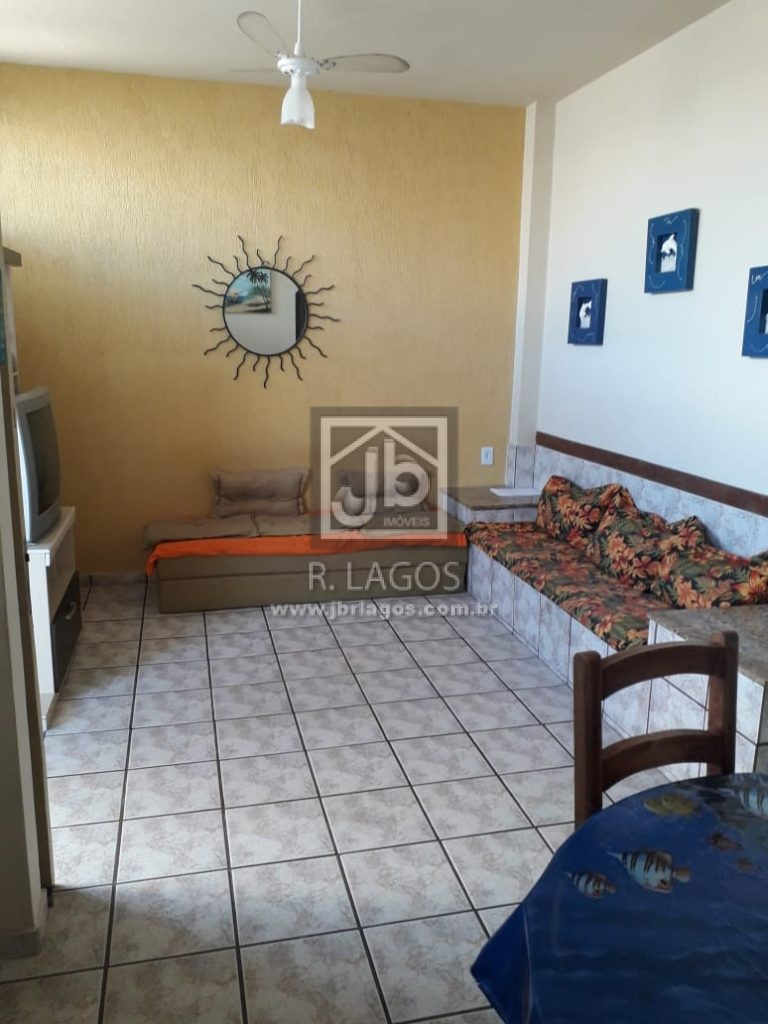Apartamento a 250 m da Praia do Forte e Centro, porteira fechada, moradia ou investimento!