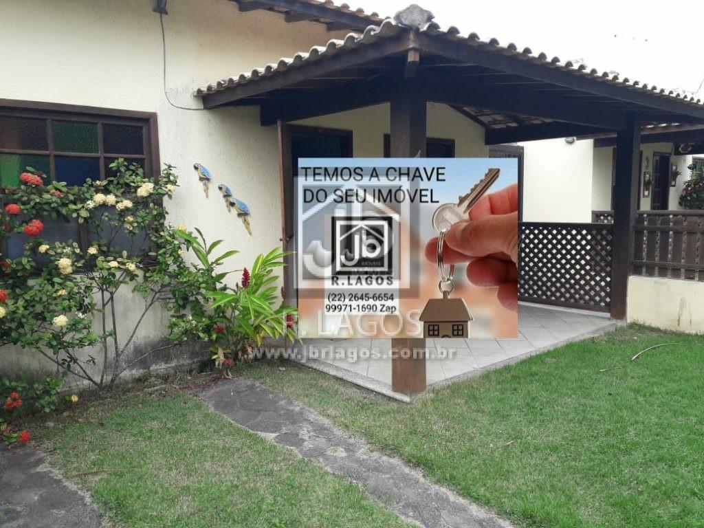 Casa linear e independente, perto da Ilha do Japonês e Praia do Peró