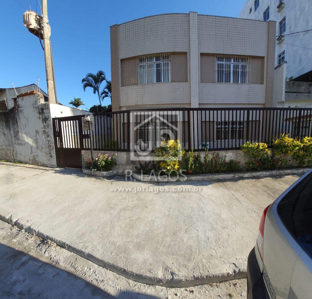 Apartamento térreo e mobiliado bem próximo a Praia do Forte e Polo Gastronômico