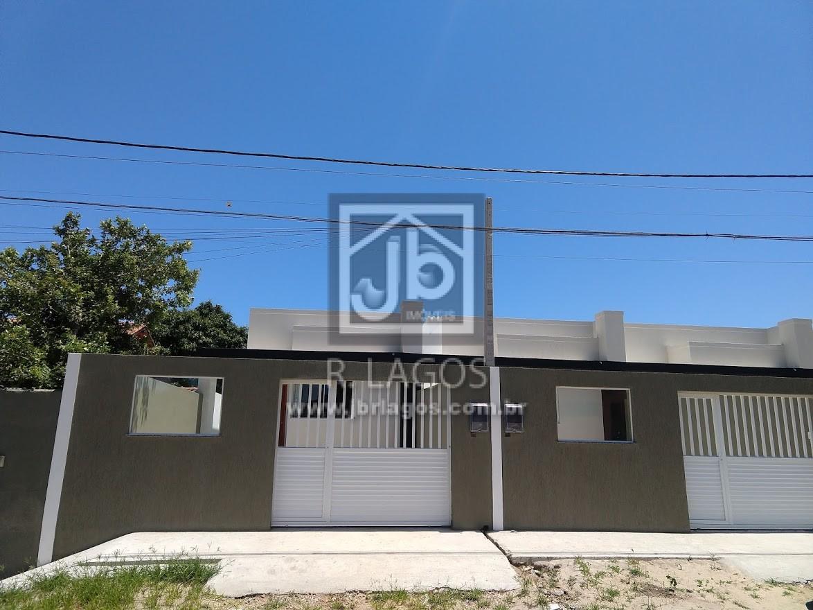 Casa independente e linear de 1º locação com fino acabamento, a poucos passos da Praia Linda