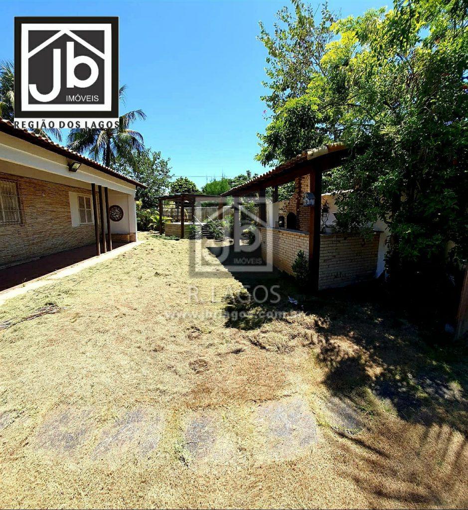 Casa independente e linear, 425 m², alguns passos do Canal, 5 minutos do Centro